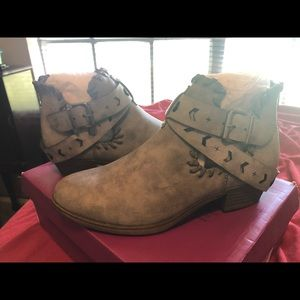 Ankle boots/booties